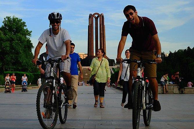 Bucharest Bike Tour - City of Contrasts