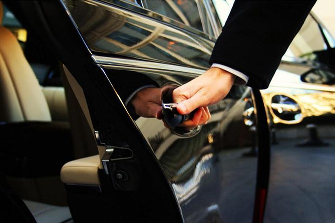 Private Airport Arrival Transfer: Beijing Airport to Hotel