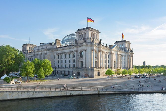 Berlin to Prague Including 2-Hour Dresden Sightseeing Tour