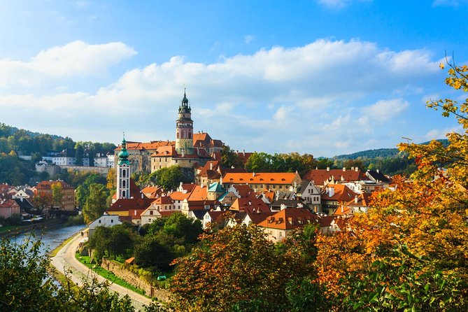 Scenic transfer from Passau to Prague with 2-hours guided tour of Cesky Krumlov
