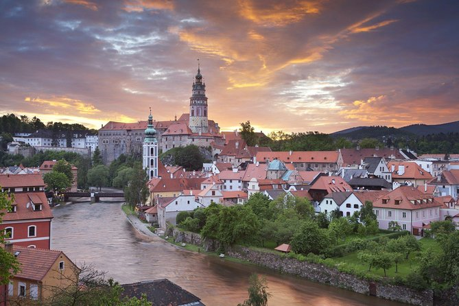 Prague to Vienna via Cesky Krumlov - private transfer with a guided tour