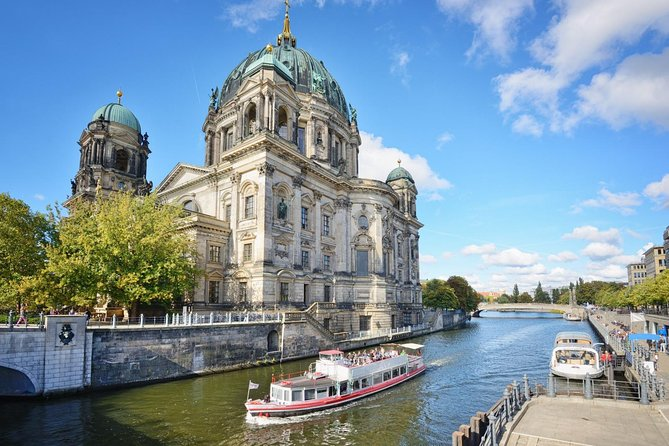 Scenic Transfer from Prague to Berlin Including 2-Hours Sightseeing in Dresden