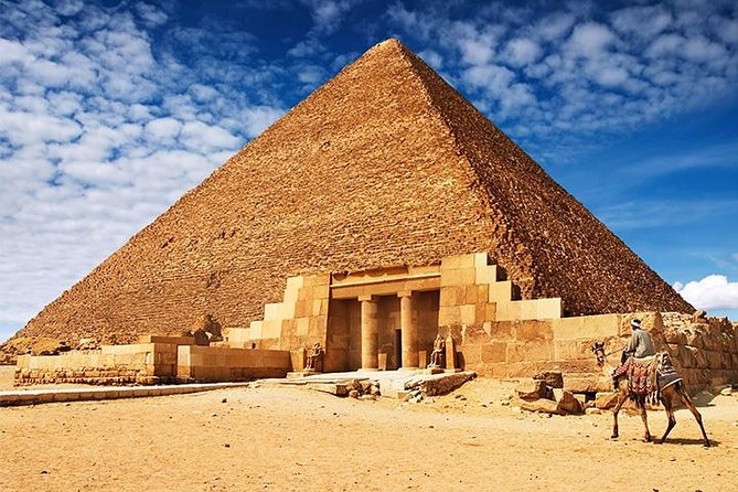 Pyramids and Lunch Cruise Day Tour from Port Sokhna