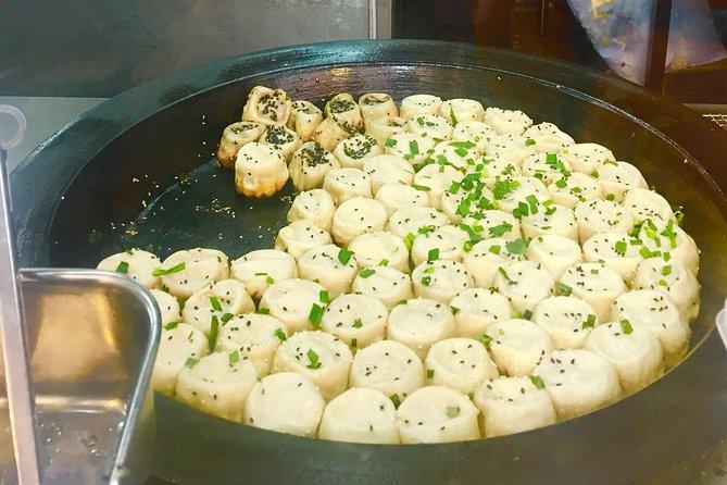 Hong Kong Island Food Tour with Secret Menu