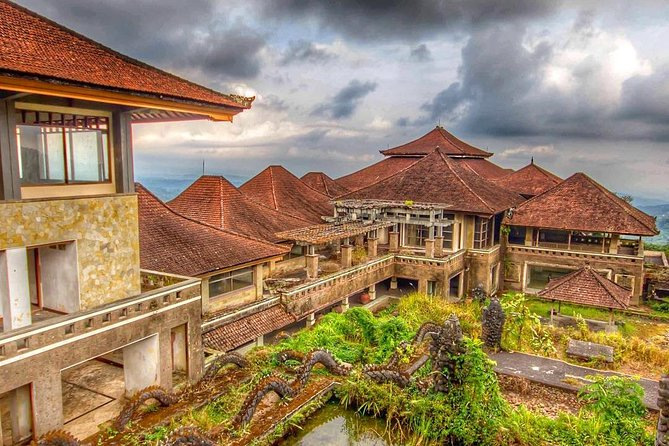 Tour to the Biggest Abandoned Ghost Hotel in Bali
