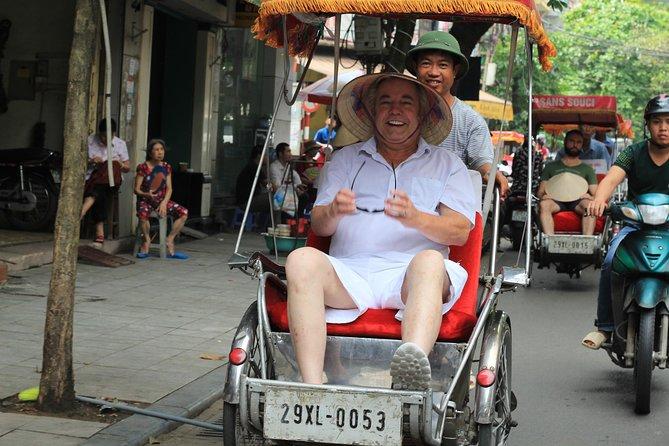 Excursión de medio día a pie y en bicicleta por Hanoi