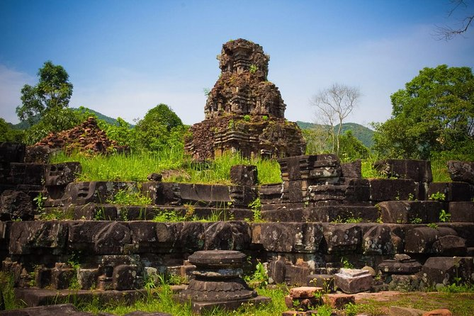 My Son Sanctuary from Hoi An with Thu Bon River Cruise