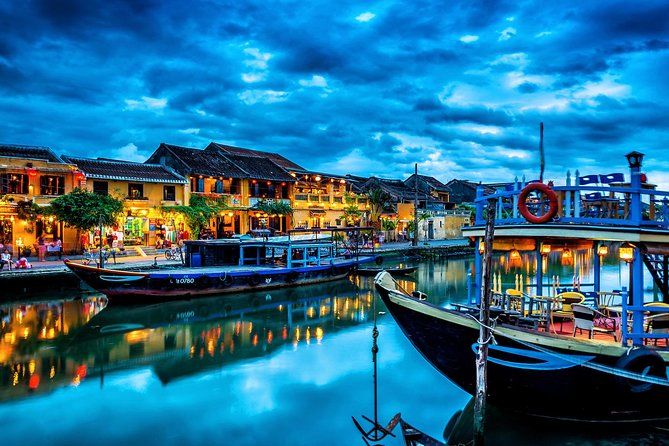 Hoi An By Night With Home Host Meal And Boat Trip photo 4