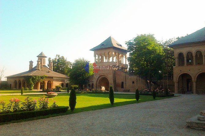 Half-Day Tour to Mogosoaia Palace and Snagov Monastery from Bucharest