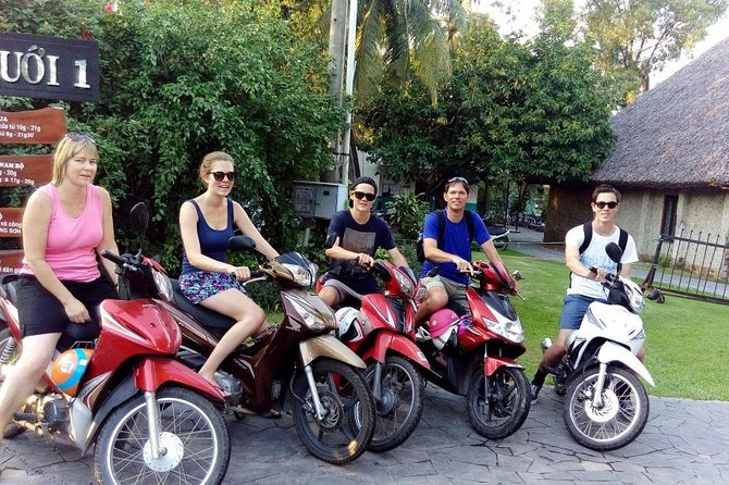 Small group Saigon Inside Out by Motorbike for 3 Hours