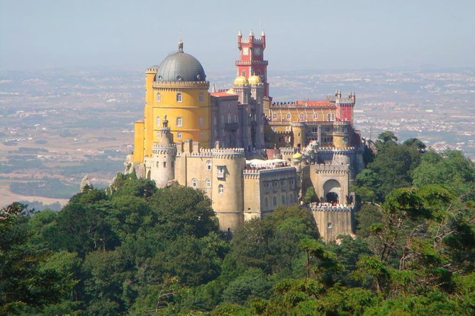 Sintra Cascais and Estoril Private Tour from Lisbon