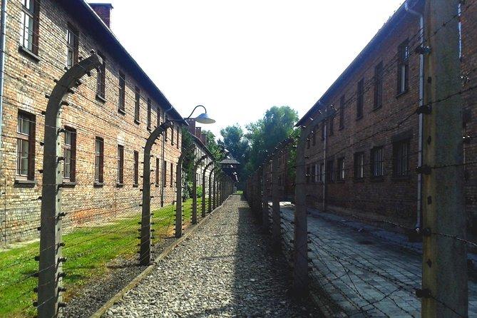 Visita autoguiada por Auschwitz-Birkenau na Cracóvia com traslados privados