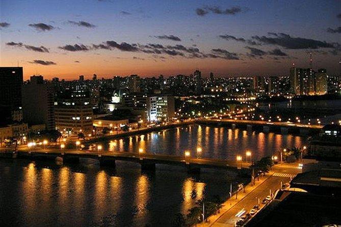 Tour do Recife à noite