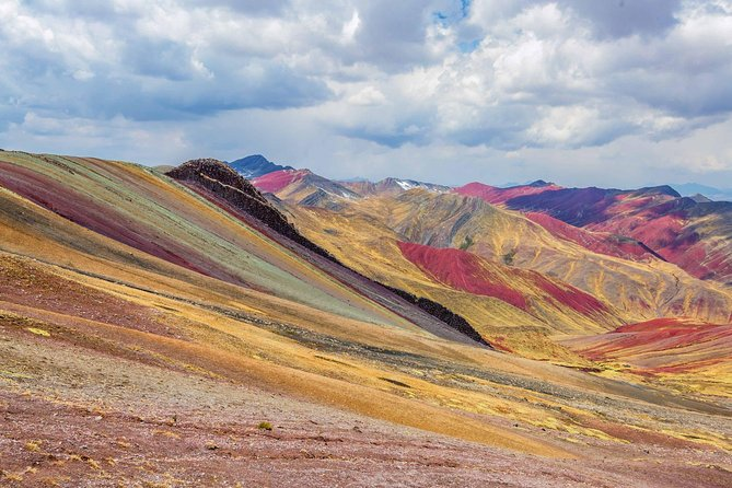Private or Shared Tour: Rainbow Mountain Palcoyo Trek from Cusco