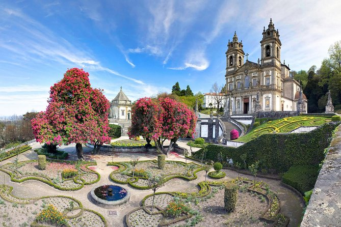 Braga and Guimarães Full Day Tour from Porto with Lunch
