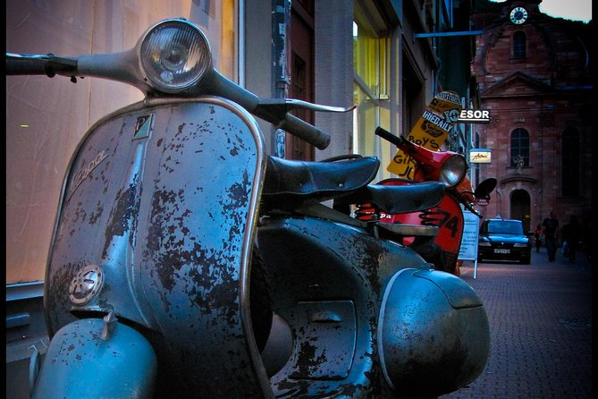Vespa Tour - The Essence of Rome