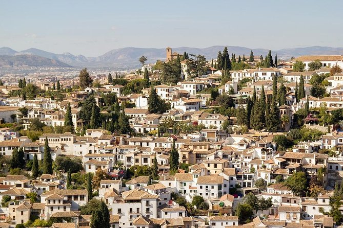 Walking tour Arounds of the Alhambra