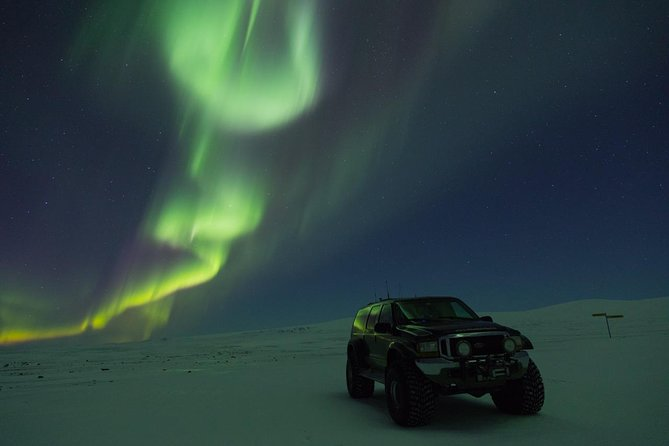 Private tour / Aurora Hunt - Northern Lights Super Jeep Tour photo 1