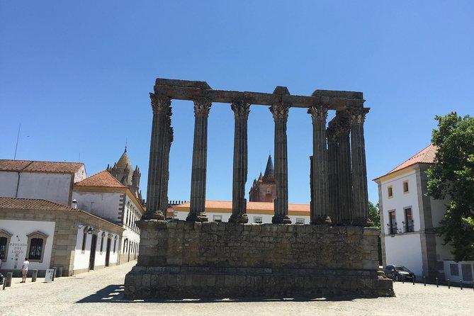 Evora and Arraiolos Private Tour from Lisbon