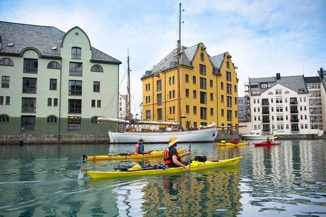 Alesund Architecture-Themed Kayak Tour