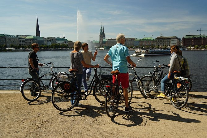 Tour at Alster lakes