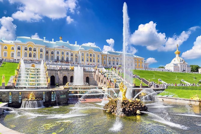 St. Petersburg Shore Excursion: Small-Group 2-Day Visa-Free Tour Including Boat Ride