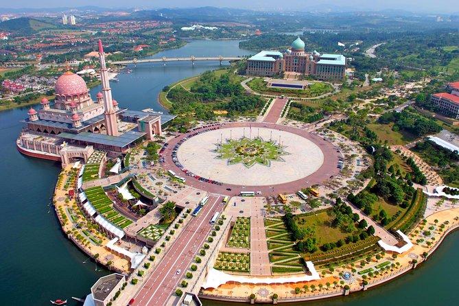 Putrajaya City Tour (6-Hour)