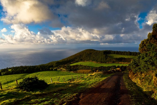 visite-de-ile-de-terceira-avec-transfert-guide-local
