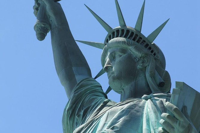 New York City Package: Statue of Liberty Reserve Ticket, THE TOUR and Lunch or Dinner photo 1