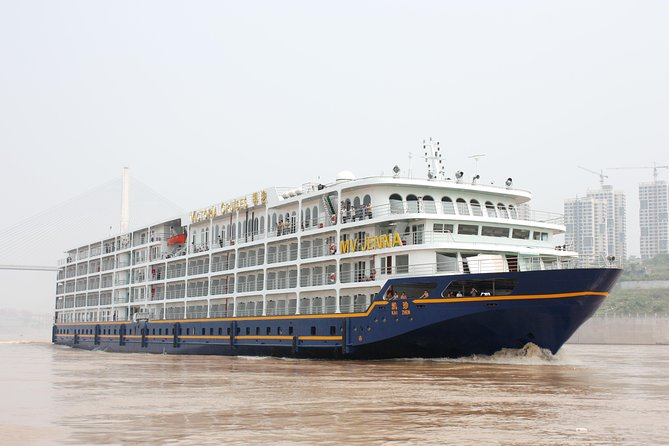 3-Night Victoria Jenna Three Gorges Cruise Tour From Chongqing to Yichang photo 3