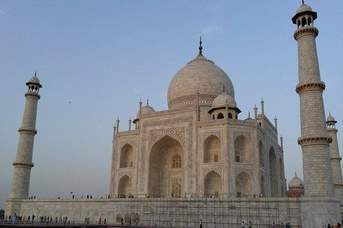 Exclusive Taj Mahal and Agra Sightseeing Tour