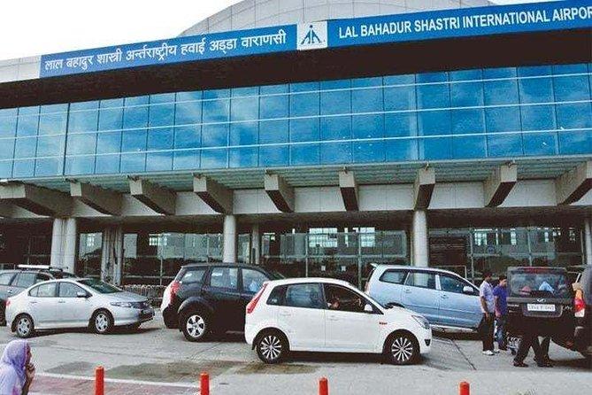 Smooth transfer from Varanasi Airport to Hotel