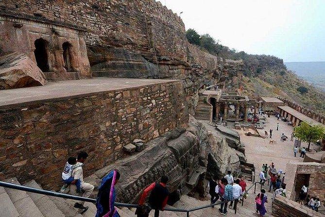 Invincible Kalinjar Fort tour from Khazuraho