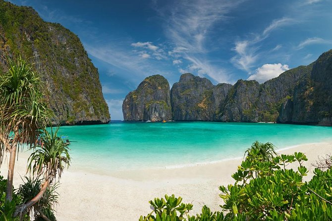Dive Trip to Phi Phi from Phuket for certified divers