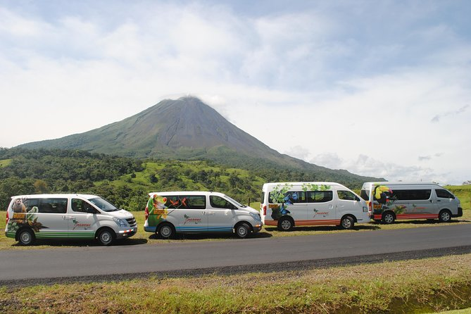 Liberia Airport Private Transfer to La Fortuna between 1 to 5 people