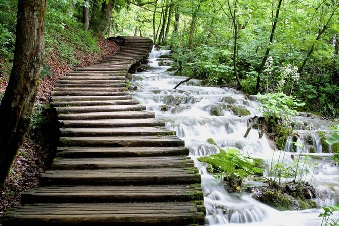 Plitvice Lakes NP Tour from Split or Trogir with included ticket photo 2