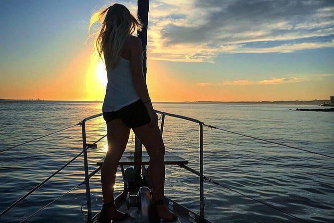 2 Hour Lisbon Sunset and Wine Sailing Tour