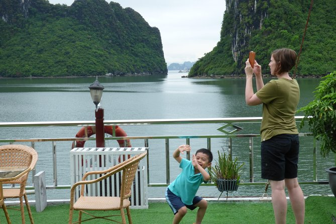 Halong Bay Relaxing Trip - 2 Days 1 Night on Cruise