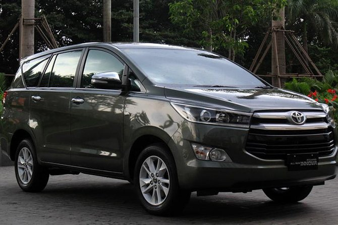 Private Car Transfer Between Noi Bai Airport and Hanoi Hotels