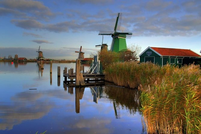 Zaanse Schans Windmills and Volendam Small-Group Tour from Amsterdam