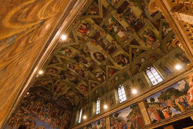 Recorrido por el Vaticano con entrada a primera hora y la Capilla Sixtina y la Basílica de San Pedro en español