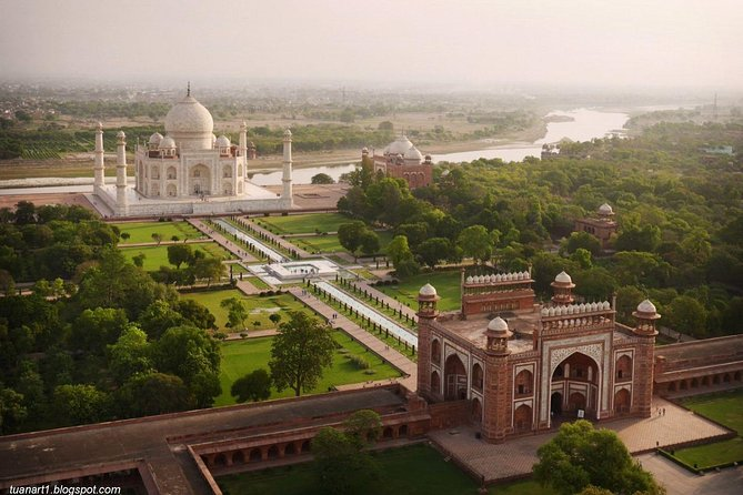 Day Tour Of Taj Mahal And Fatehpur Sikri From Jaipur