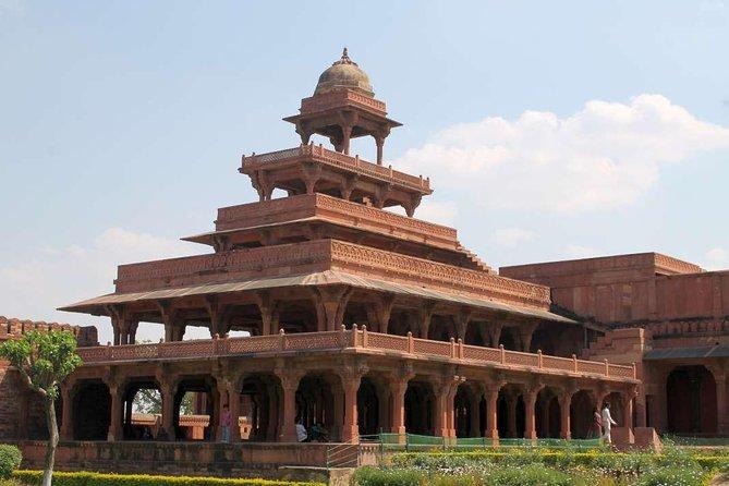 Taj Mahal Day Trip with Fatehpur Sikri From Delhi