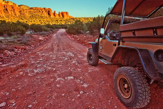 Sunrise Wildlife Safari Tour by Jeep from Sedona