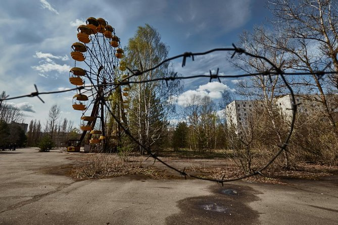 2-Day Chernobyl, Pripyat and Duga Tour with Hotel and Babushka Visit