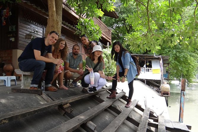 Private - Bangkok Old Quarter Walking Tour incl. Snack and Coffee