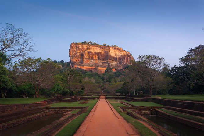 Sigiriya Rock and Village Tour from Negombo (Private Day Tour) photo 2