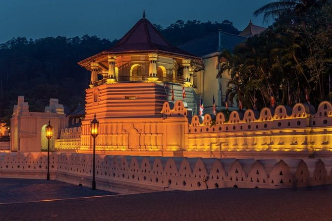Culture of the Hills Tour from Galle (2 Days)