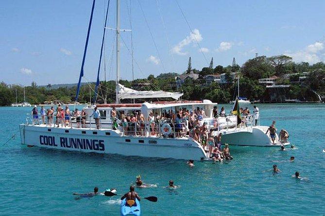 Catameran crucero desde la bahía de Montego