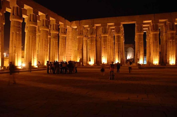 Spectacle son et lumière au temple de Philae